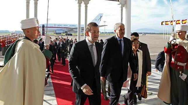 Rajoy llega a Argelia para estrechar una relación estratégica para España