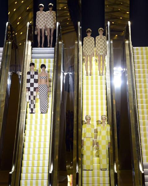Imagen del desfile de Louis Vuitton en París (primavera-verano 2013)