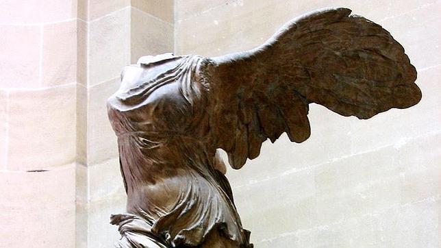 El Louvre pide donaciones individuales para restaurar la Victoria de Samotracia