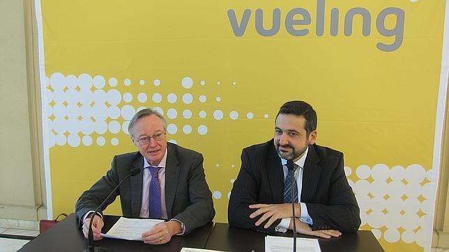 Los accionistas de Vueling aceptan la opa de IAG
