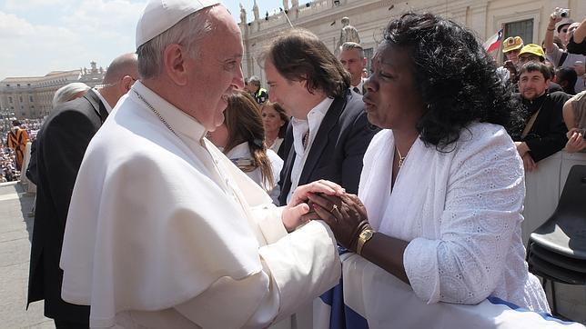 «Sigan adelante», anima el Papa a las Damas de Blanco