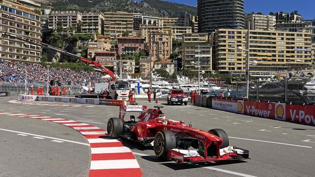 Alonso, segundo en el arranque de Mónaco