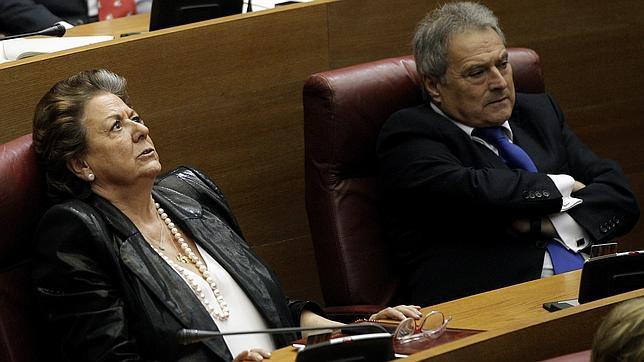 El juez pregunta al Parlamento valenciano si Camps y Barberá son aforados