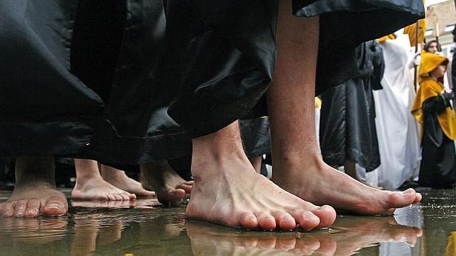 Los pies albergan gran diversidad de hongos y las manos, bacterias