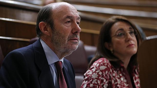 Rubalcaba comerá con Griñán y Fernández el lunes para hablar del modelo territorial