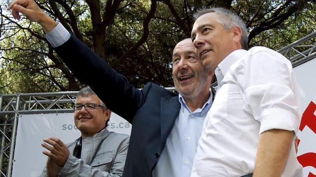 Griñán y Navarro coinciden en reformar la Constitución en sentido federal