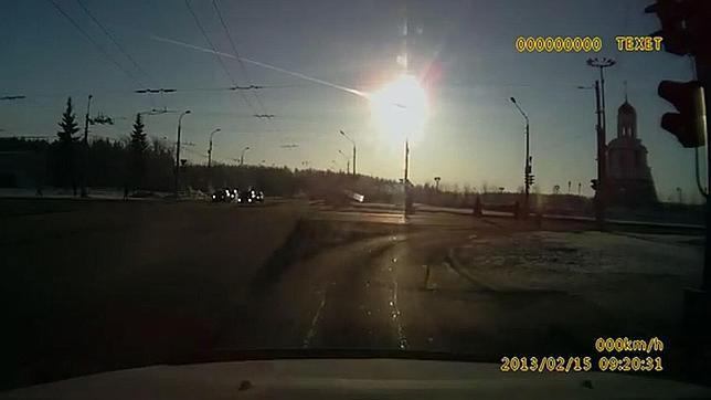 La onda expansiva del meteoro de Rusia dio dos veces la vuelta al mundo