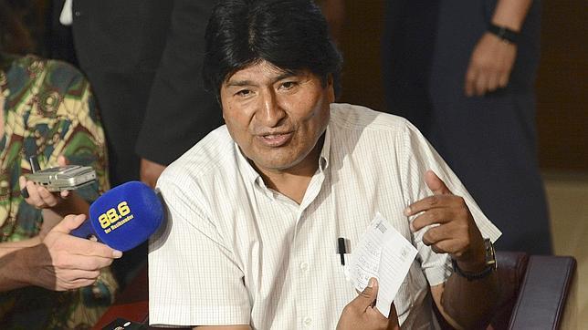 Si Edward Snowden solicita asilo en Bolivia, Evo Morales se lo concederá