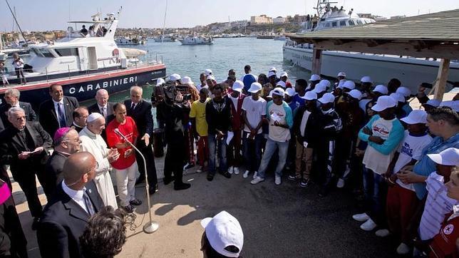 El Papa viaja a Lampedusa para mostrar al mundo el drama de la inmigración