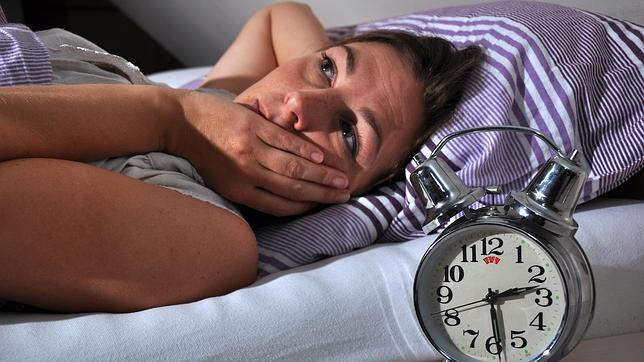 La pesadilla del sueño en verano: insomnio por la noche, cansancio por el día
