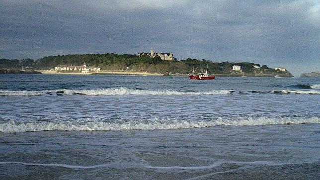 Bahía de Santander, con el palacio de la Magdalena al fondo