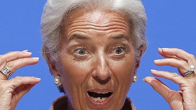 Lagarde, que propone bajar salarios en España, se subió el sueldo un 11% al llegar al FMI