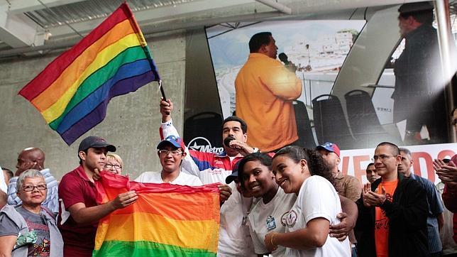 Maduro acusa a Capriles de ser cómplice de una red de corrupción y prostitución homosexual