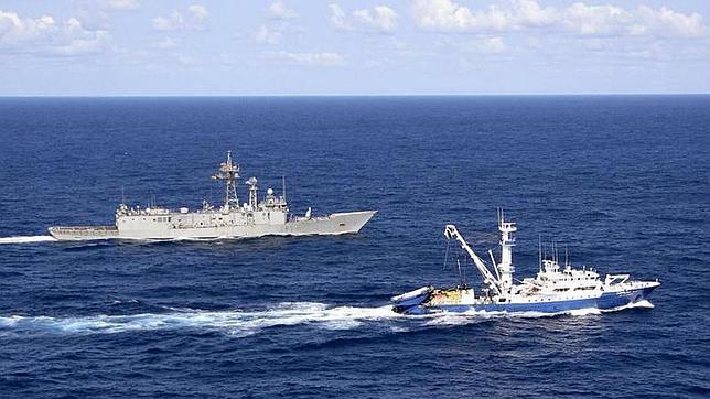 La fragata «Numancia» vuelve a Rota tras concluir la «operación Atalanta»