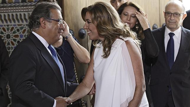 Zoido desea suerte a Susana Díaz «porque será la suerte de todos los andaluces»