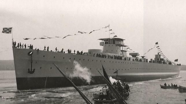 La encarnizada tragedia del «Baleares», el buque militar torpedeado por la República