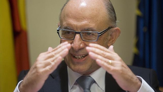 Montoro: «Ha tenido que gobernar el PP para subir impuestos a las grandes empresas»