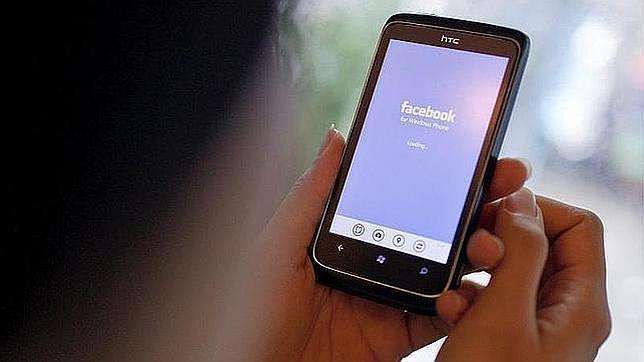 Una adolescente india se ahorca porque sus padres le prohíben usar Facebook
