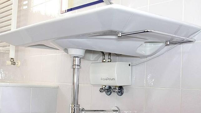 El electrodoméstico hace recircular el agua hasta que está caliente