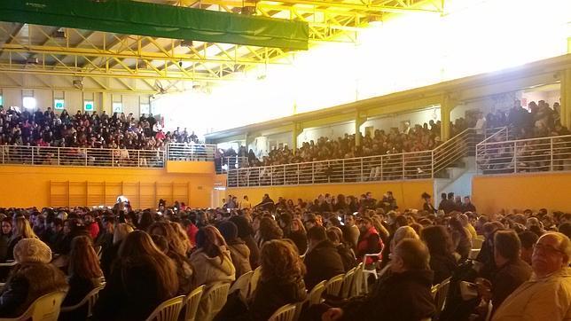 Más de 5.000 personas en la charla informativa de Inditex en Cabanillas del Campo