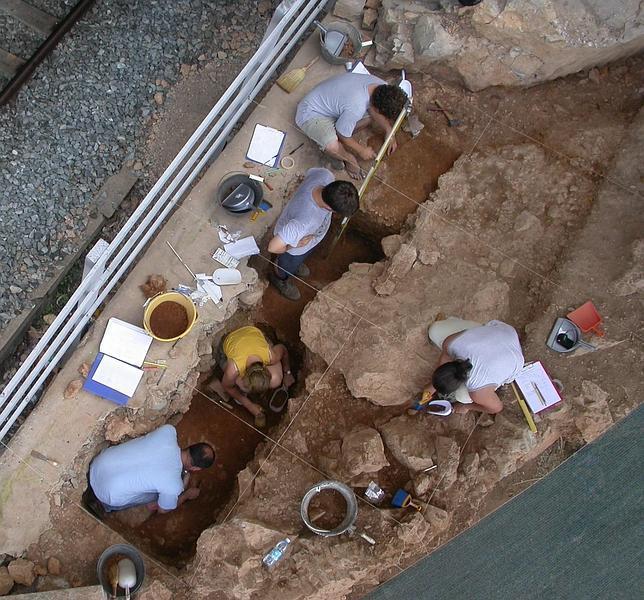 Los neandertales también tenían «cocina» y «sala de estar»