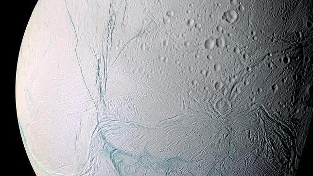 La Tierra pudo llevar vida a las lunas de Júpiter y Saturno