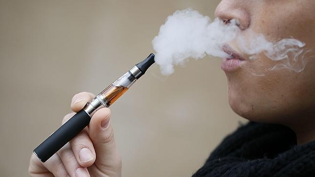 Prohibido, limitado o permitido: las diferencias del marco legal del cigarrillo electrónico