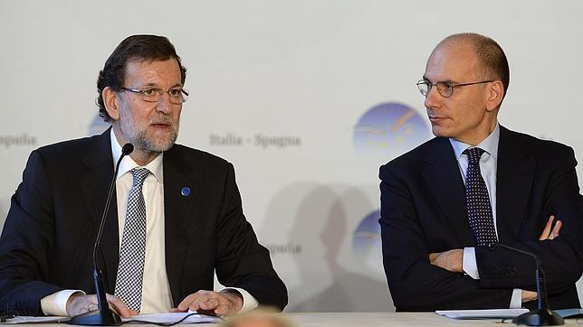 Rajoy: «Mayor Oreja sigue con nosotros y seguro que seguirá en la actividad política»