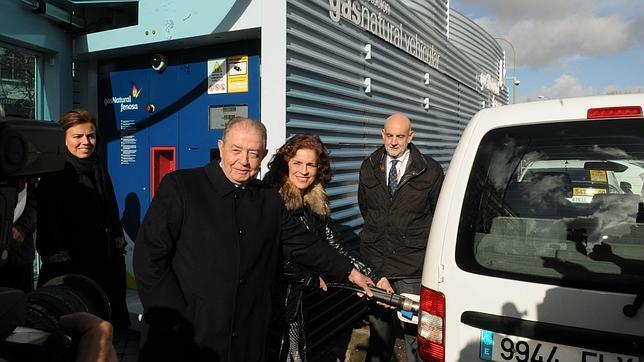 Abre la primera gasolinera de gas natural en la vía pública