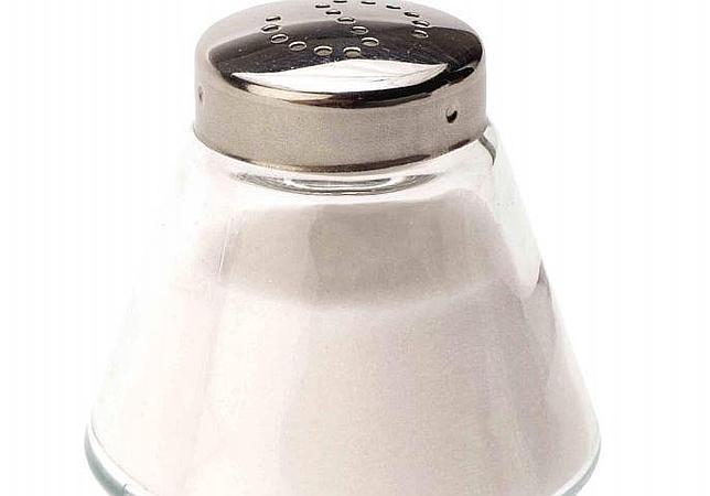 Enlatados, embutidos, precocinados, salsas y snacks son los alimentos procesados con más cantidad de sal