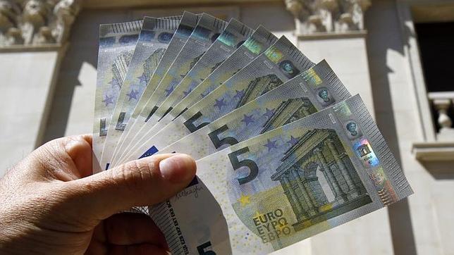 La negociación colectiva arranca 2014 con una subida salarial media del 0,60%