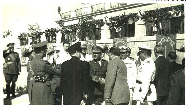 Franco en la Plaza Mayor de Brunete, en una imagen del archivo municipal