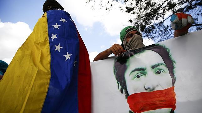 Parlamentarios de 13 países de Latinoamérica denunciarán a Maduro ante La Haya por delitos de lesa humanidad
