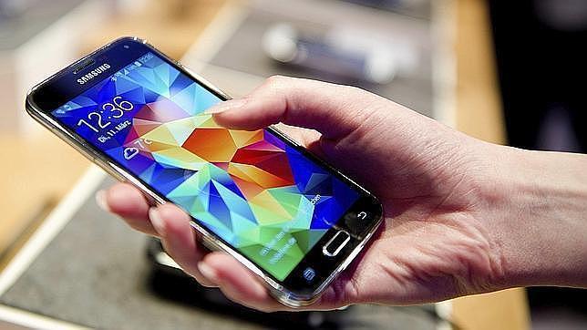 «Waterproof»: la nueva batalla para vender «smartphones»