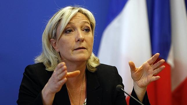 Marine Le Pen refundará el Frente Nacional para conquistar «el poder de estado»