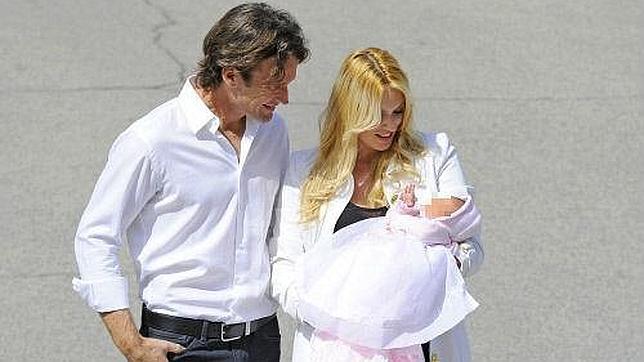 Carolina Cerezuela y Carlos Moyá presentan a Daniela, su tercera hija