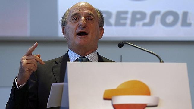 Repsol sale del directorio de YPF pero conserva una participación del 12%