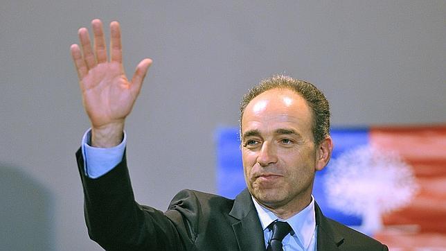 Estalla una crisis grave en el partido de Sarkozy