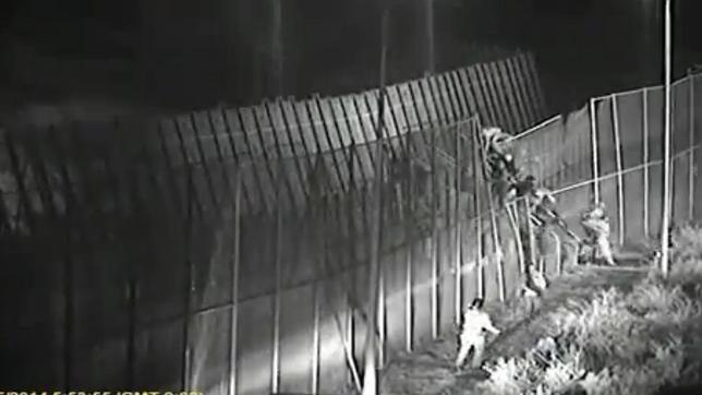 Interior refuerza Melilla con 100 policías y acelera la colocación de la «malla antitrepa»