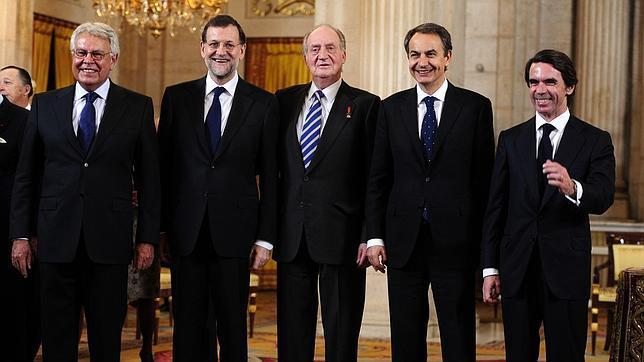 ¿Cuánto mide Felipe González? - Altura - Página 2 Presidentes-gobierno-abdicacion-rey--644x362