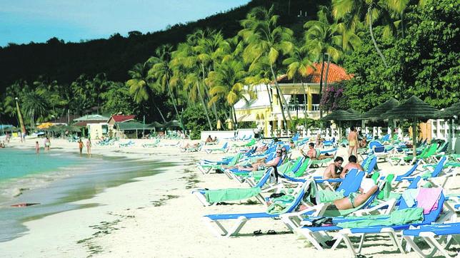 Antigua y Barbuda te concederá un pasaporte con una inversión mínima de 400.000 dólares