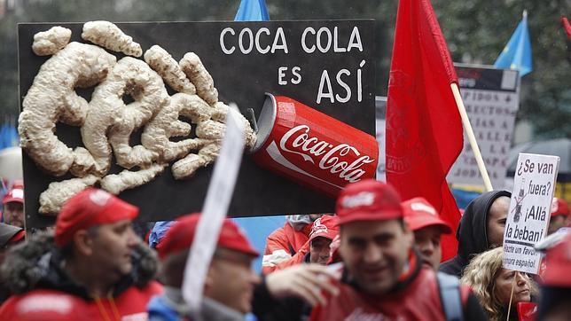 La embotelladora española de Coca Cola firma un contrato único por 20 años con la matriz