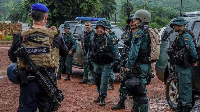 Miembros del Grupo de Acción Rápida de la Guardia Civil, en Bangui