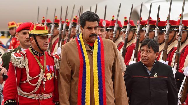 Un ministro chavista destituido dice que Maduro no tiene liderazgo y no controla el poder