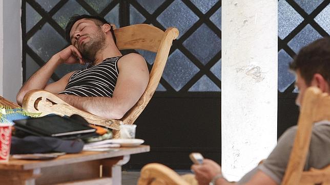 Los expertos alertan del riesgo de dormir siestas de más de media hora
