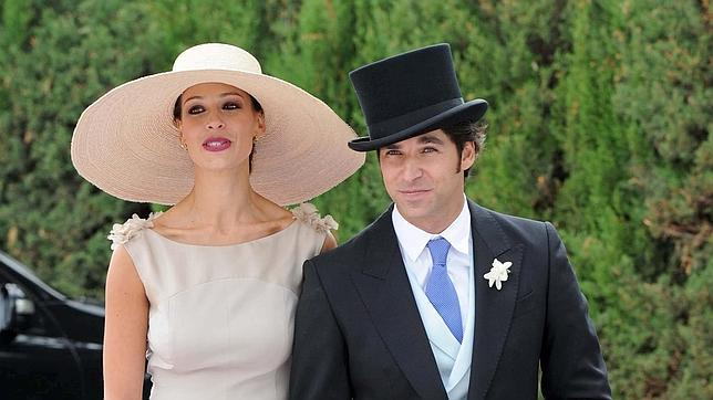 Eva González y Cayetano Rivera en la boda civil de Francisco Rivera