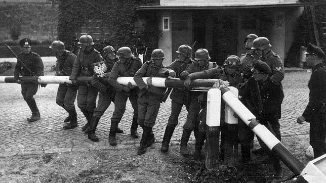 La Wehrmacht cruzando la frontera polaca el 1 de septiembre de 1939