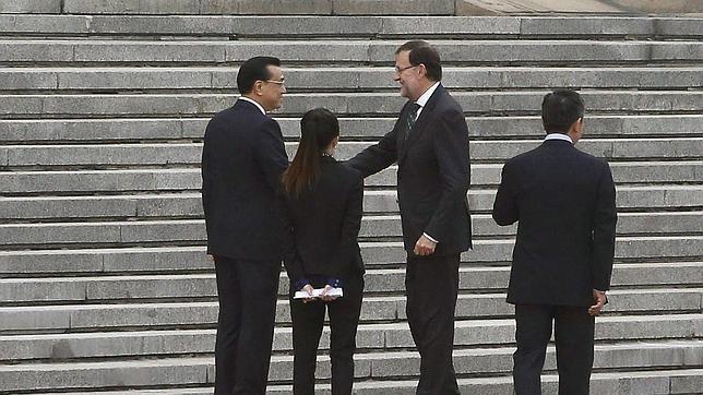 El presidente del Gobierno español, Mariano Rajoy fue recibido por el primer ministro chino Li Keqiang