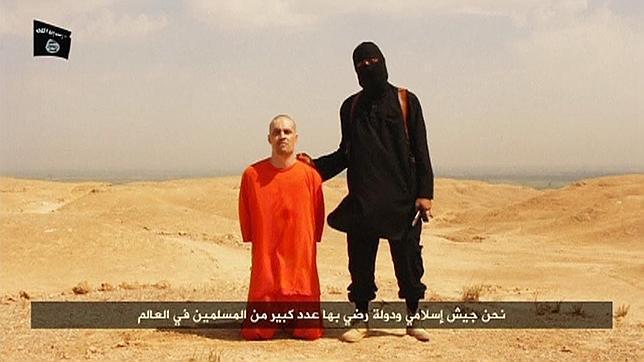 El periodista James Foley, poco antes de ser decapitado por un miembro del EI