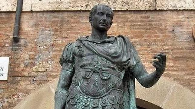 De Julio César son las frases «Llegué, vi y vencí», «cruzar el Rubicón» o «La suerte está echada»